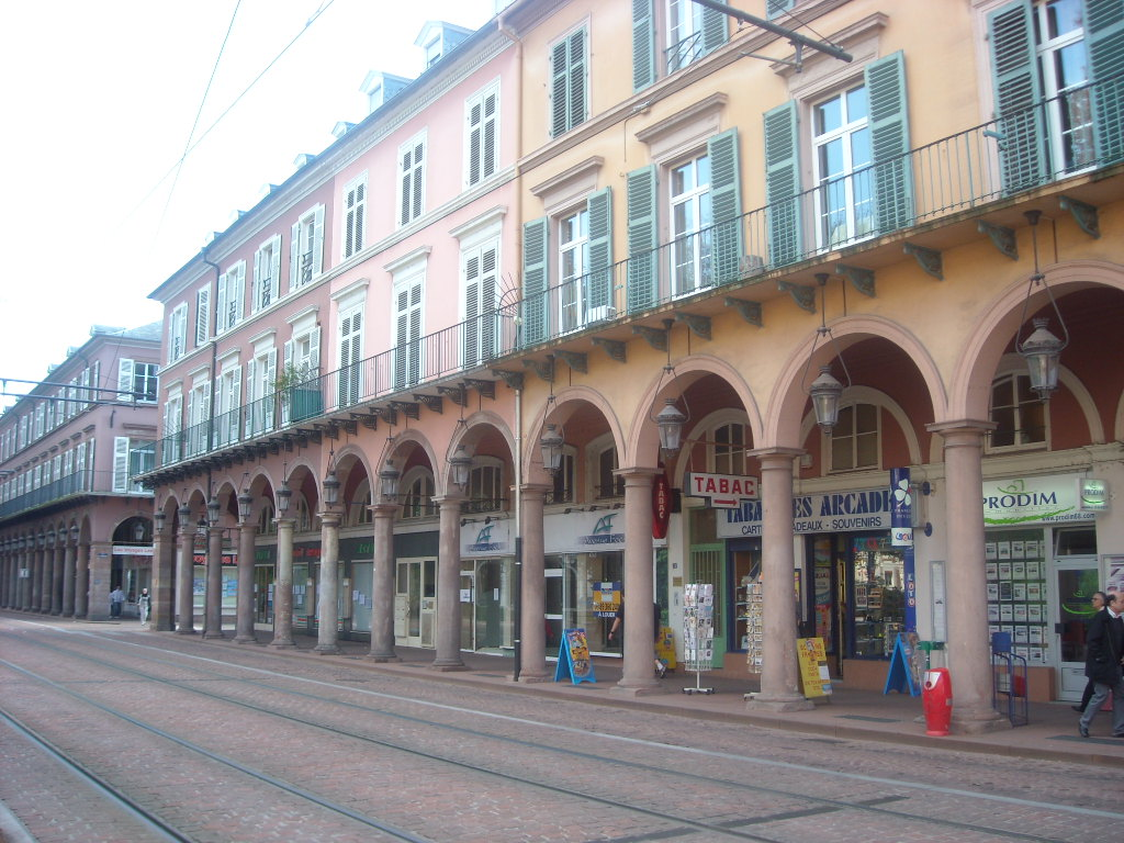 Mulhouse un monde gagner photos de amman zagreb - Piscine contemporaine lyon mulhouse ...